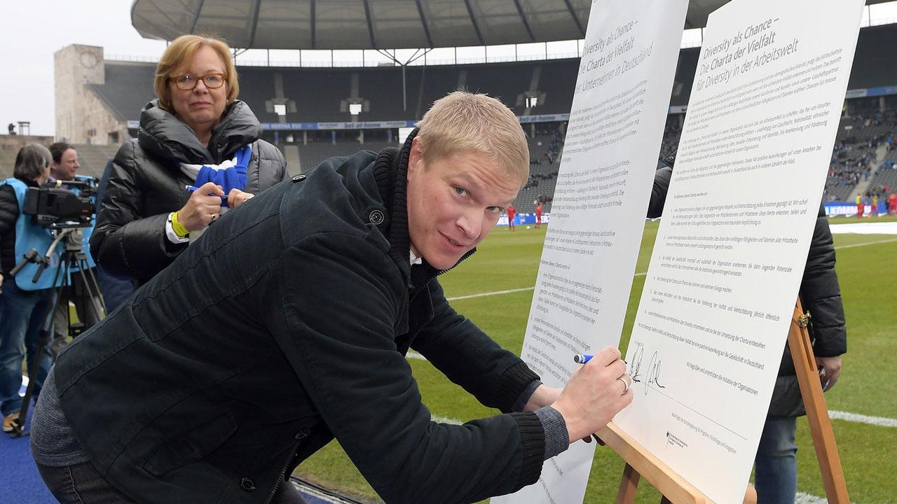 Hertha BSC unterschreibt Charta der Vielfalt