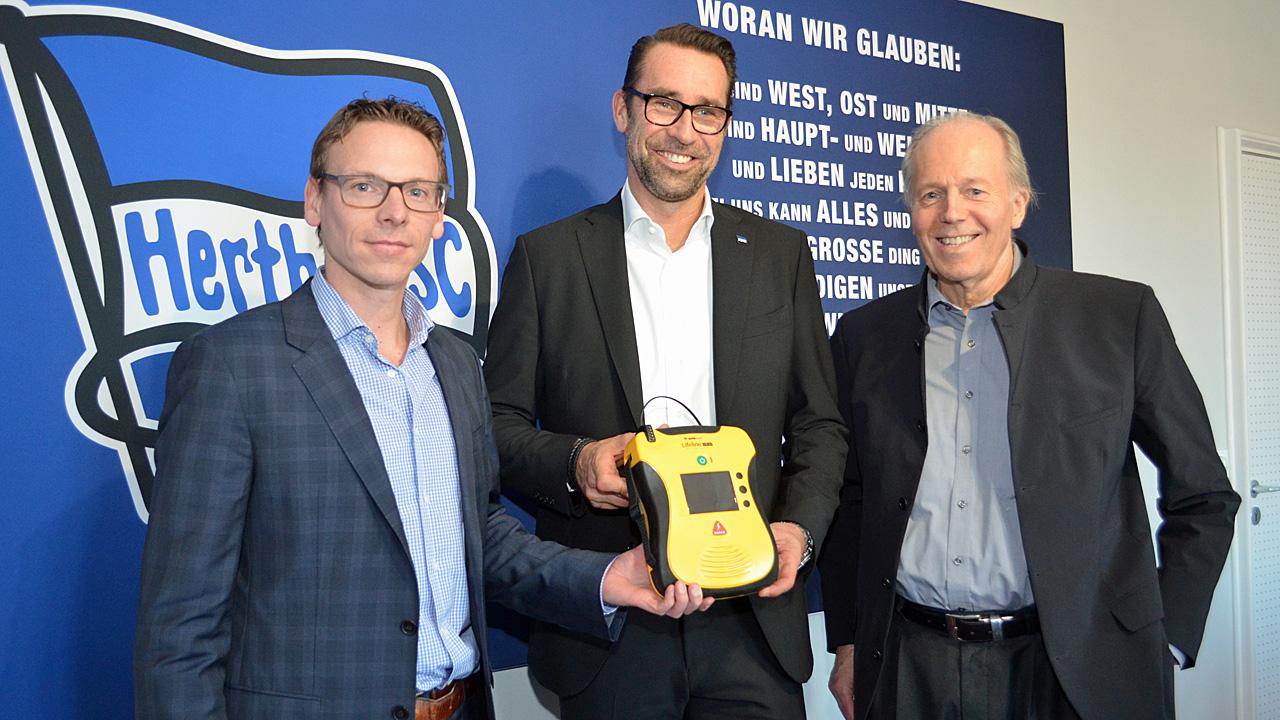 Hertha BSC erhält weiteren Defibrillator