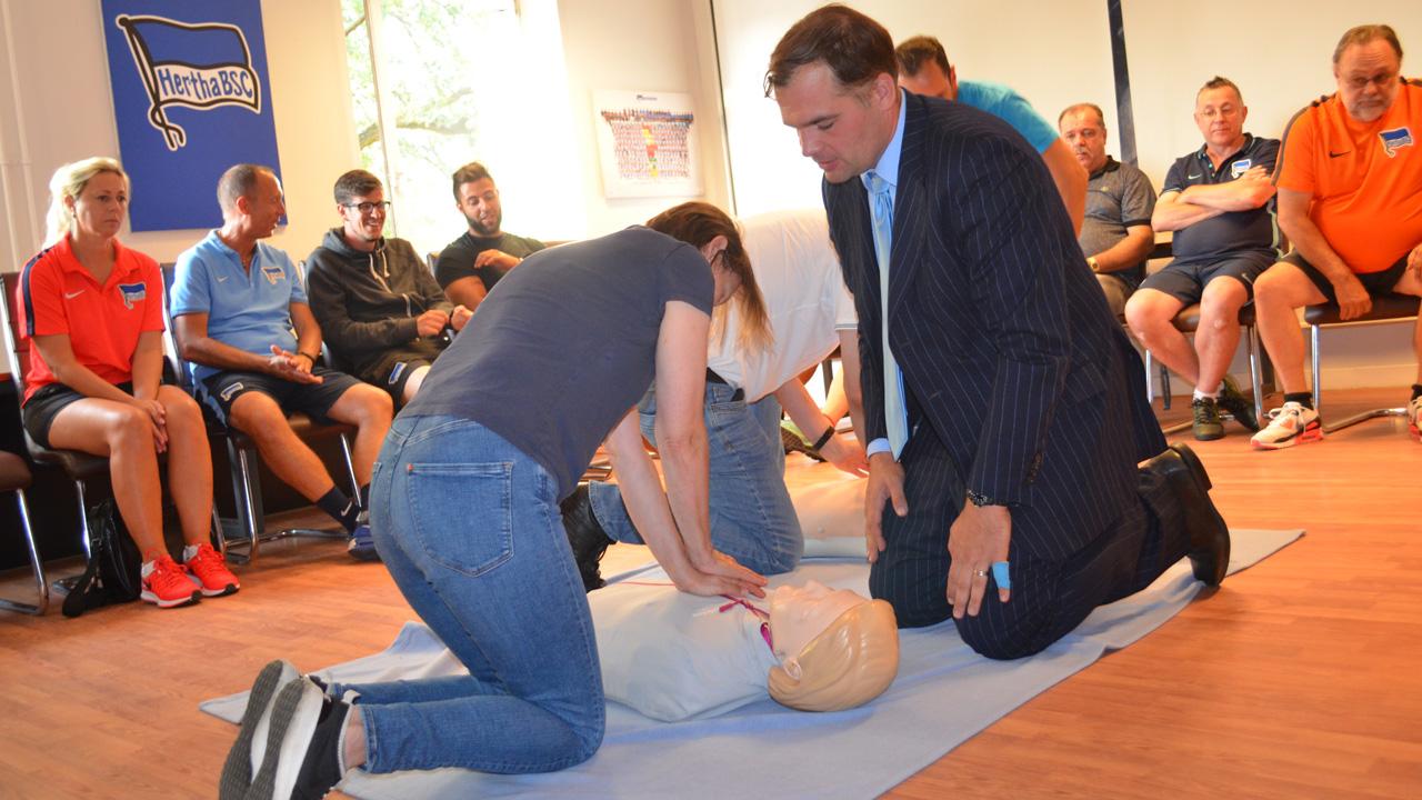 weiterbildung-defibrillator-1617_03
