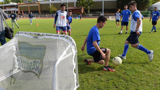 kickoff-willkommen-im-fussball_25