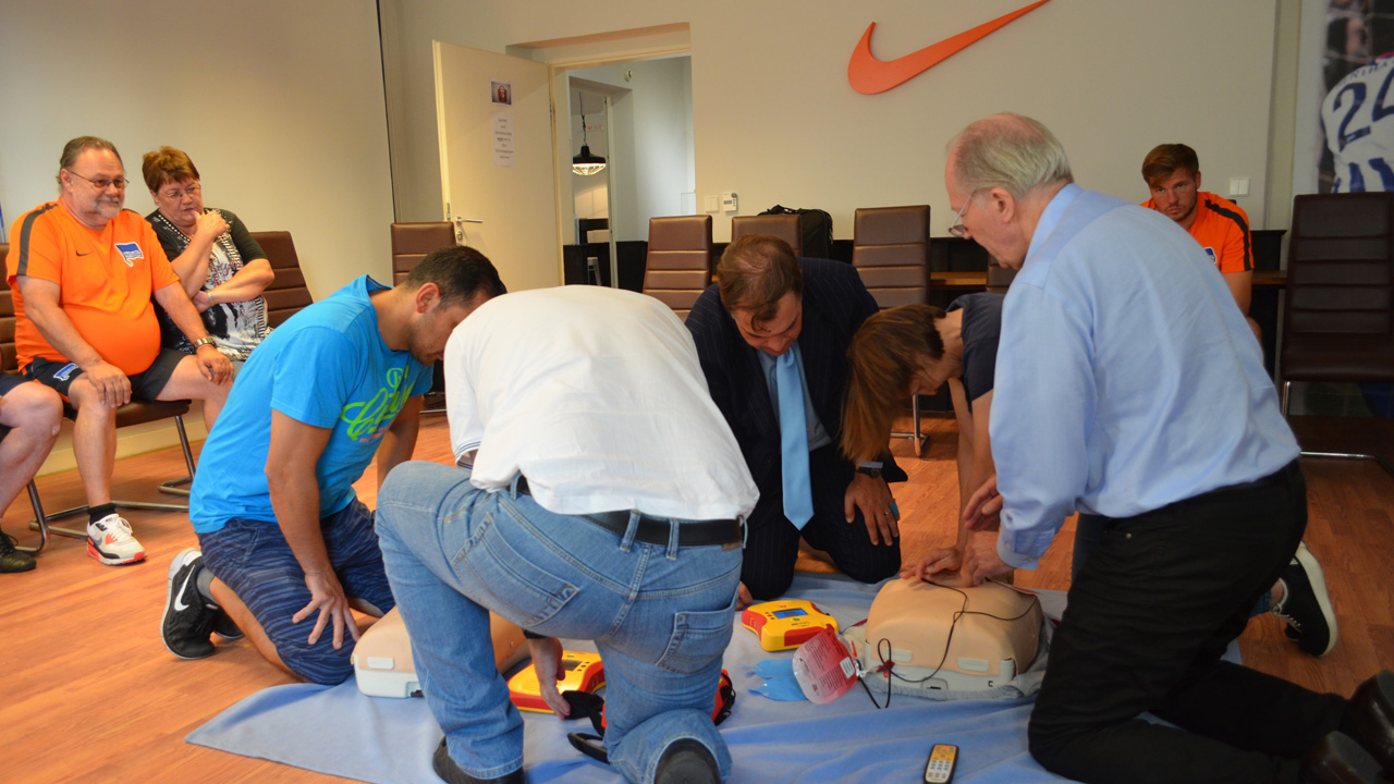 weiterbildung-defibrillator-1617_06