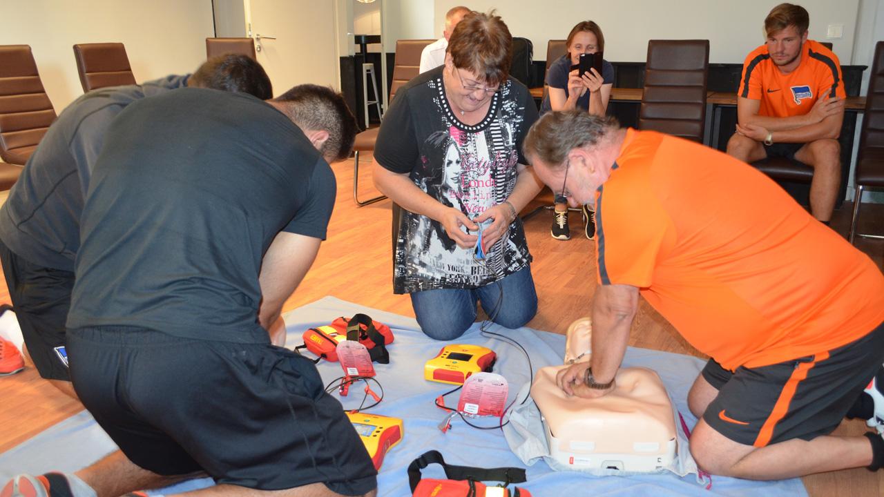 weiterbildung-defibrillator-1617_08