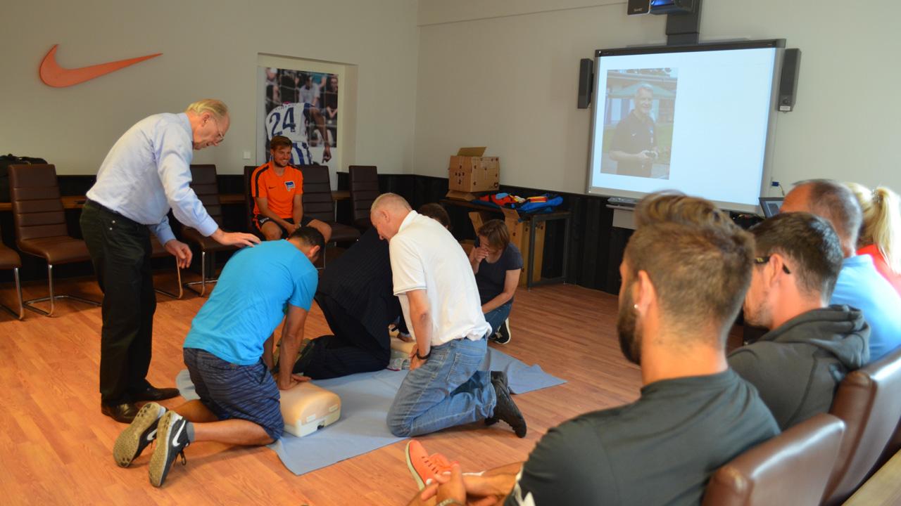 weiterbildung-defibrillator-1617_04