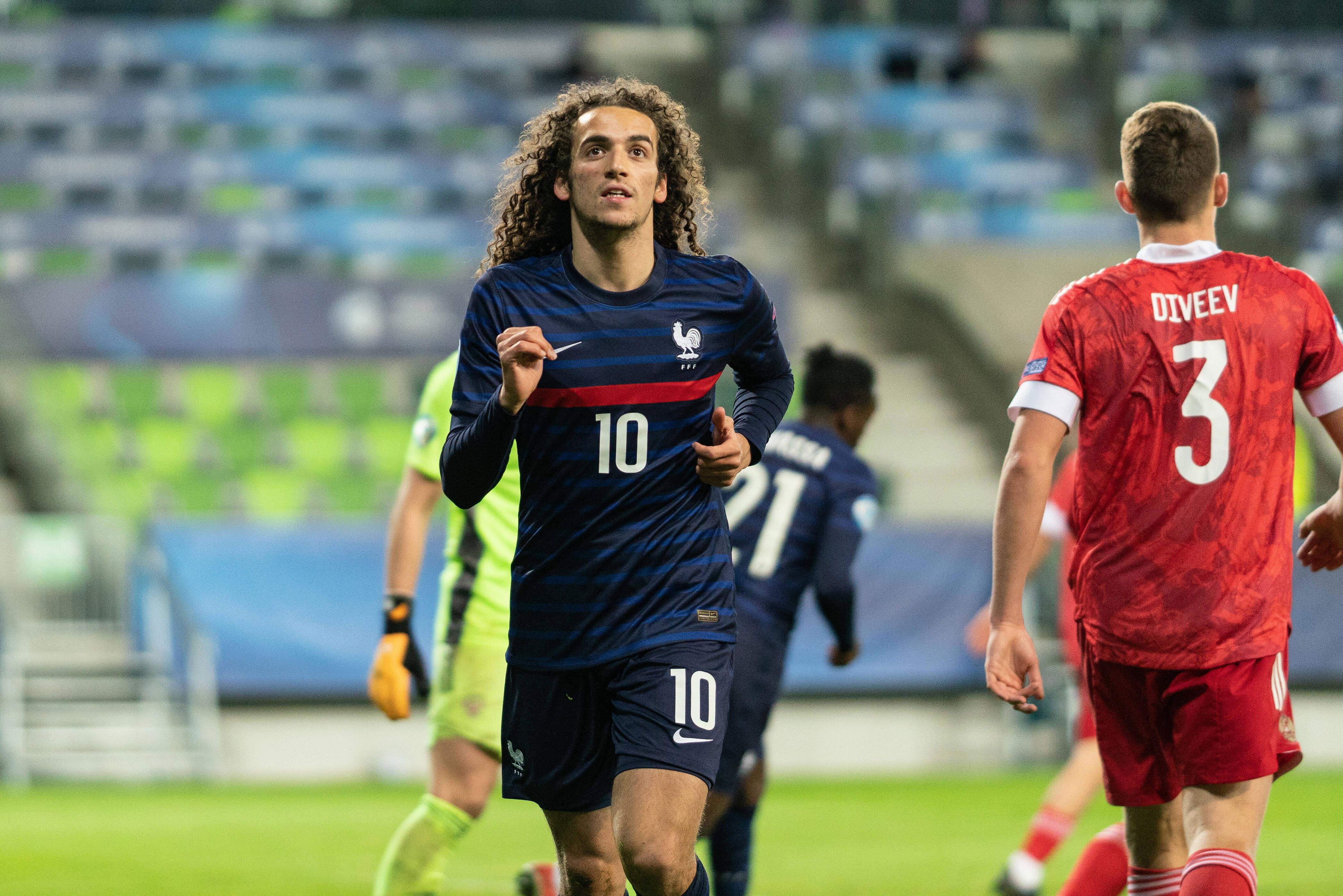 Mattéo Guendouzi en acción con la selección sub-21 de Francia