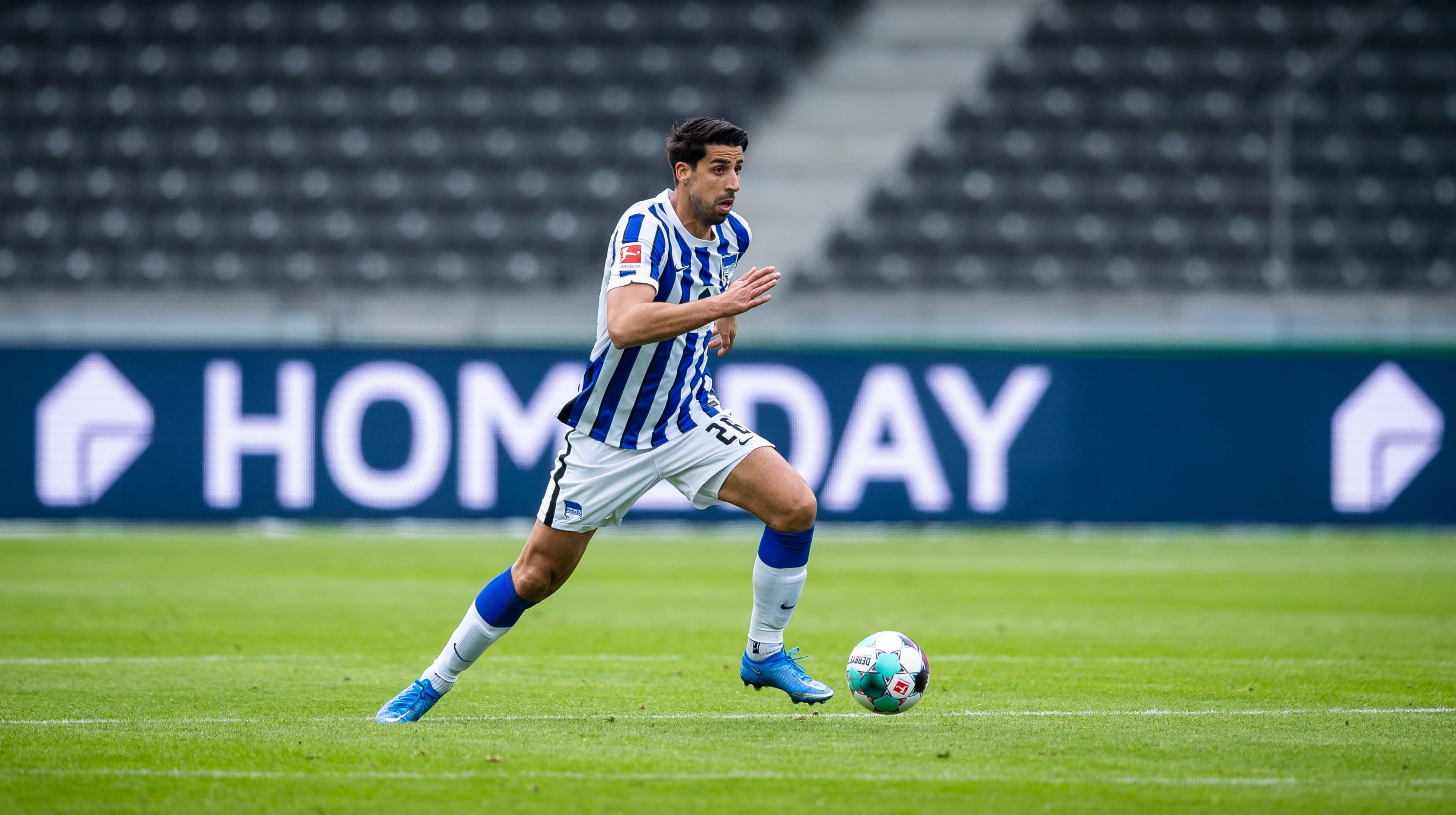 Sami Khedira on the ball.