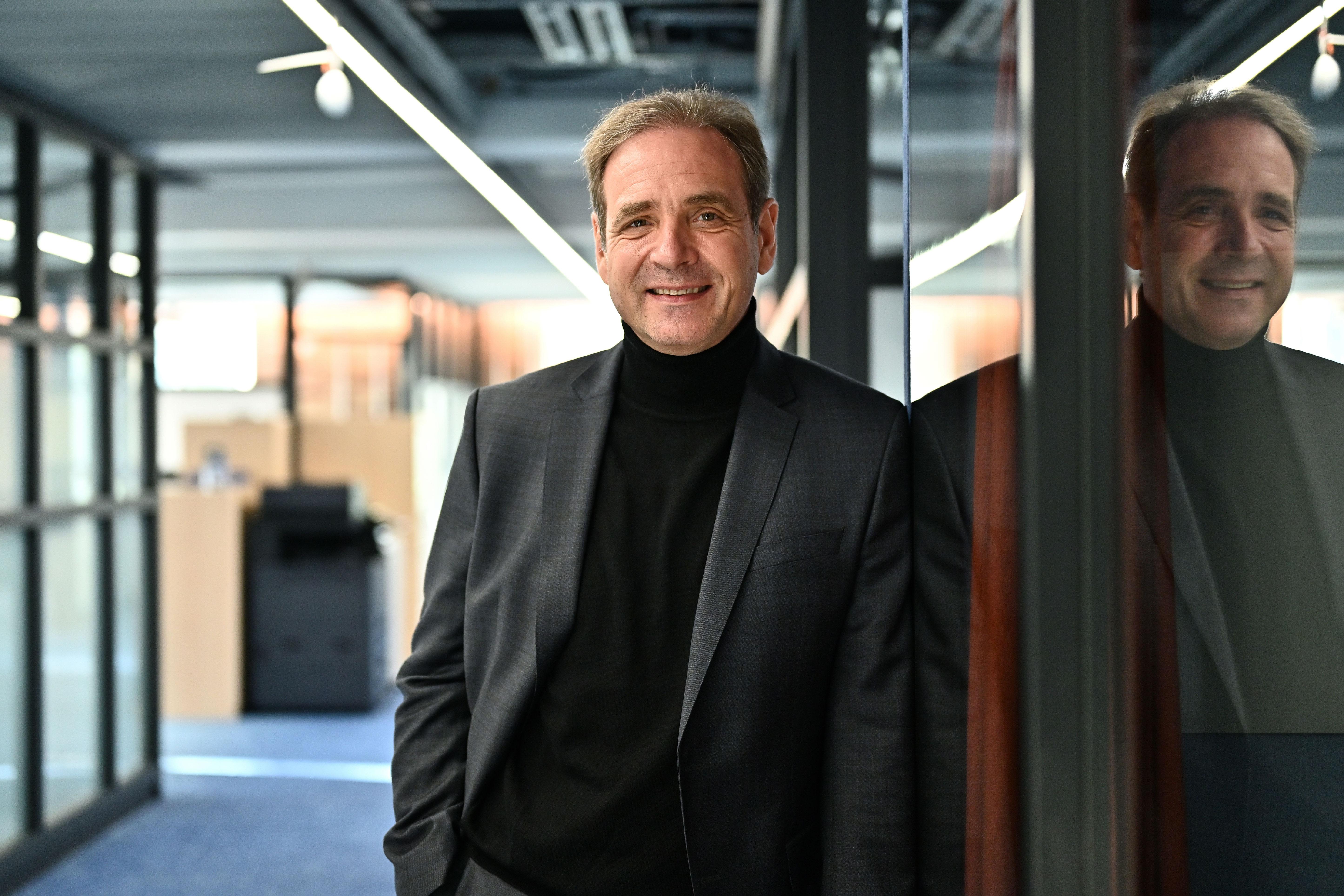 Carsten Schmidt in der Geschäftsstelle