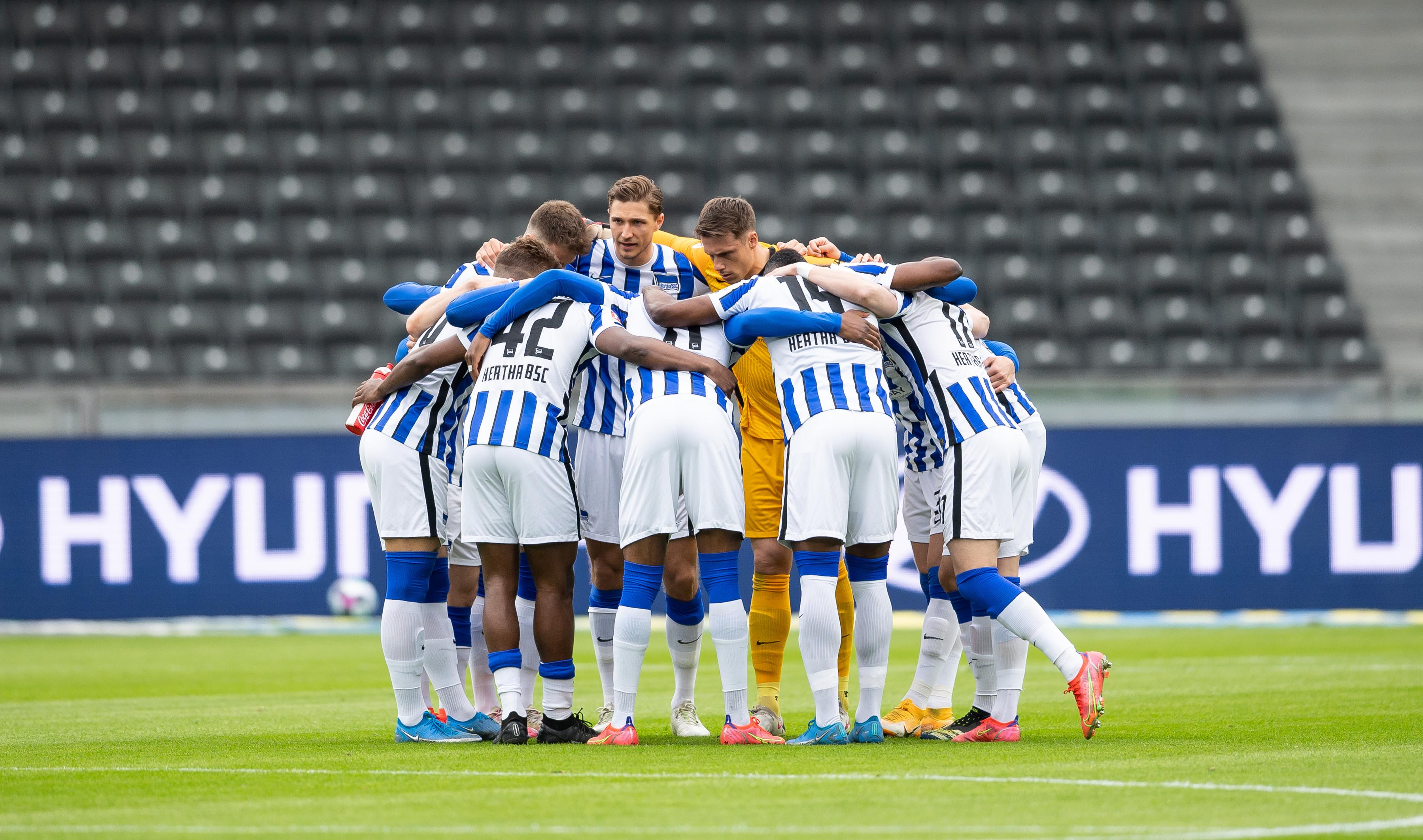 Unser Mannschaftskreis vor dem Heimspiel gegen Mönchengladbach.