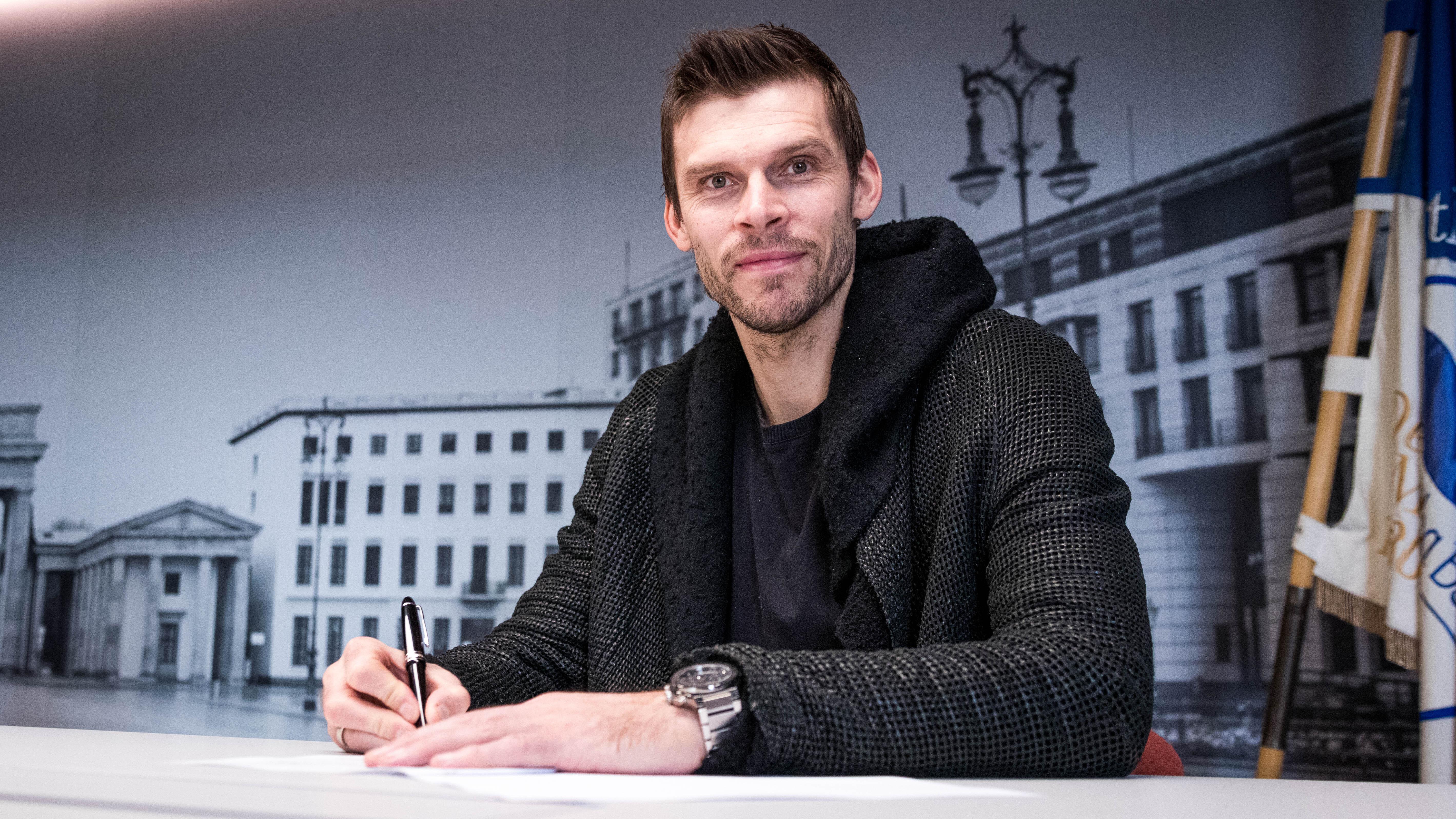 Rune Jarstein en su renovación del contrato.