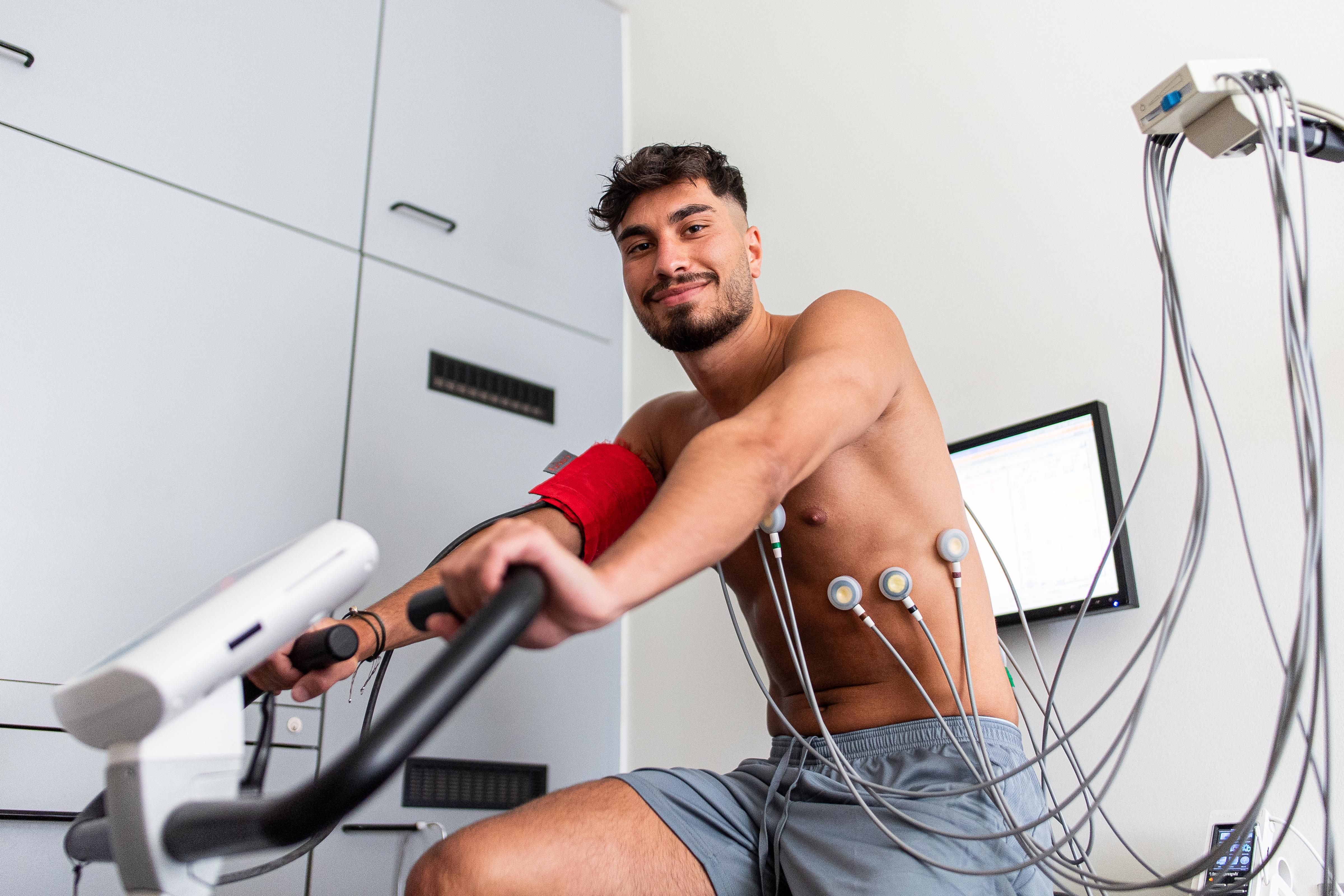 Suat Serdar undergoing a medical.