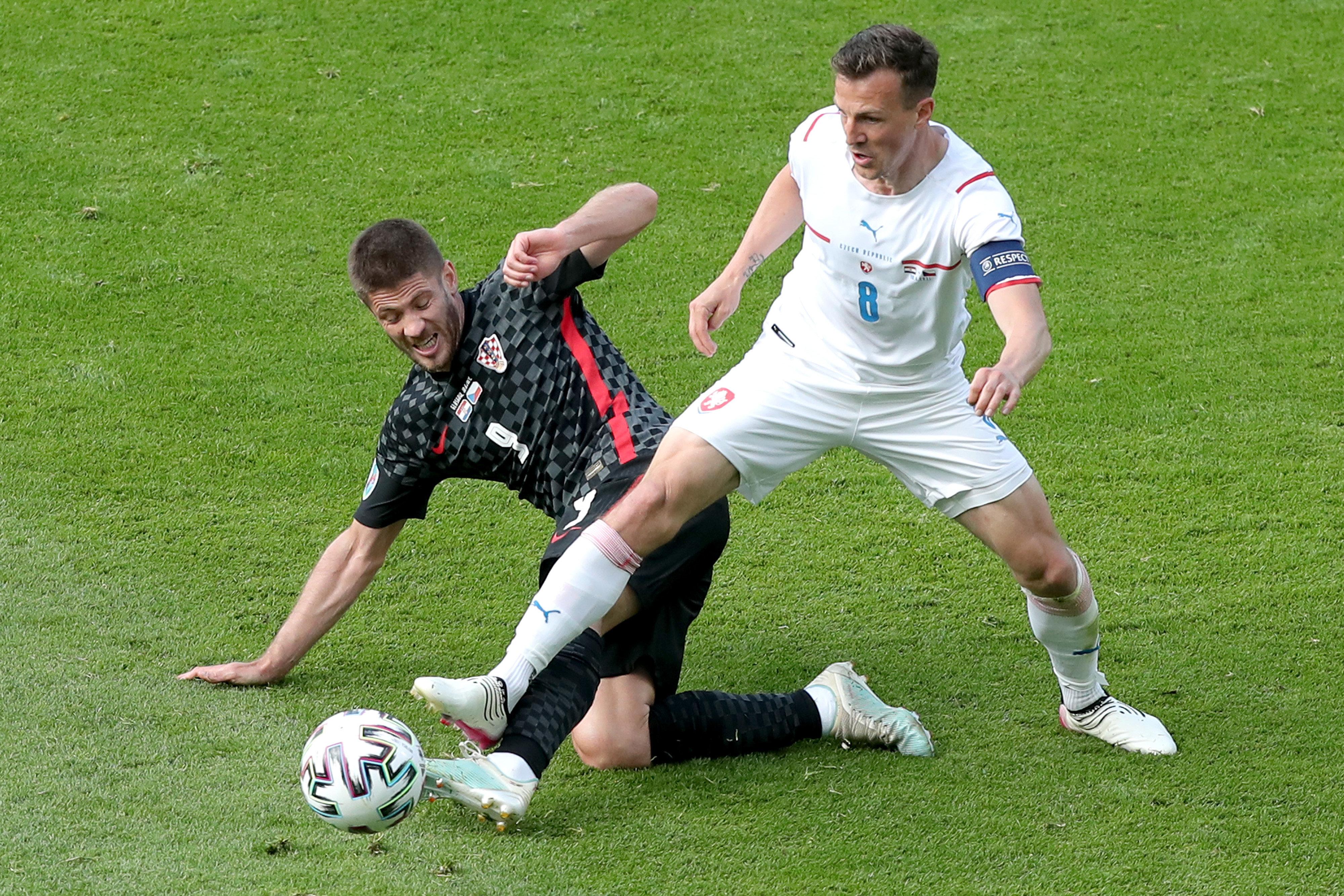 Darida im Zweikampf gegen Kroatien