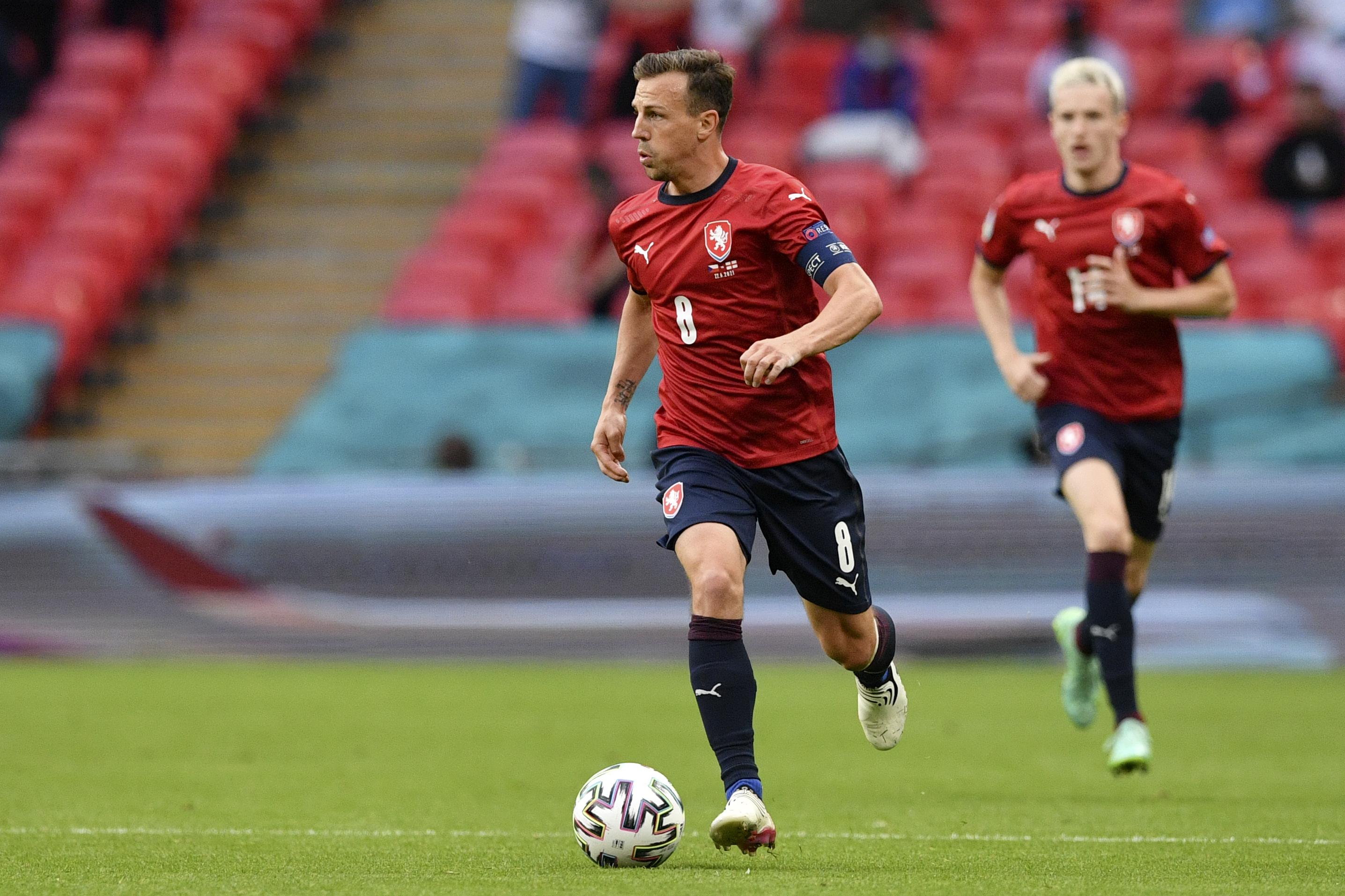 Vladimír Darida ante Inglaterra en Wembley