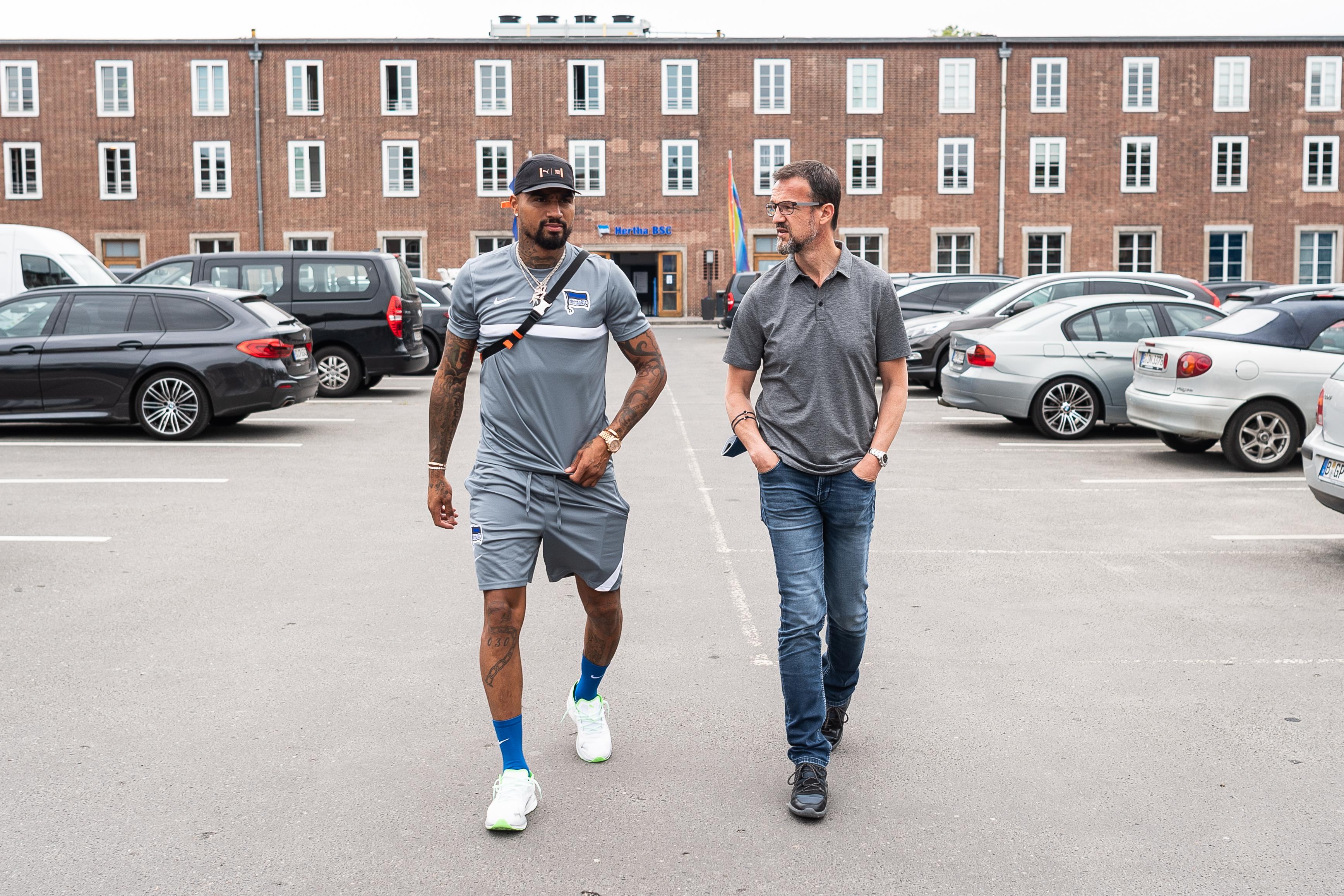 Kevin-Prince Boateng junto a Fredi Bobic.