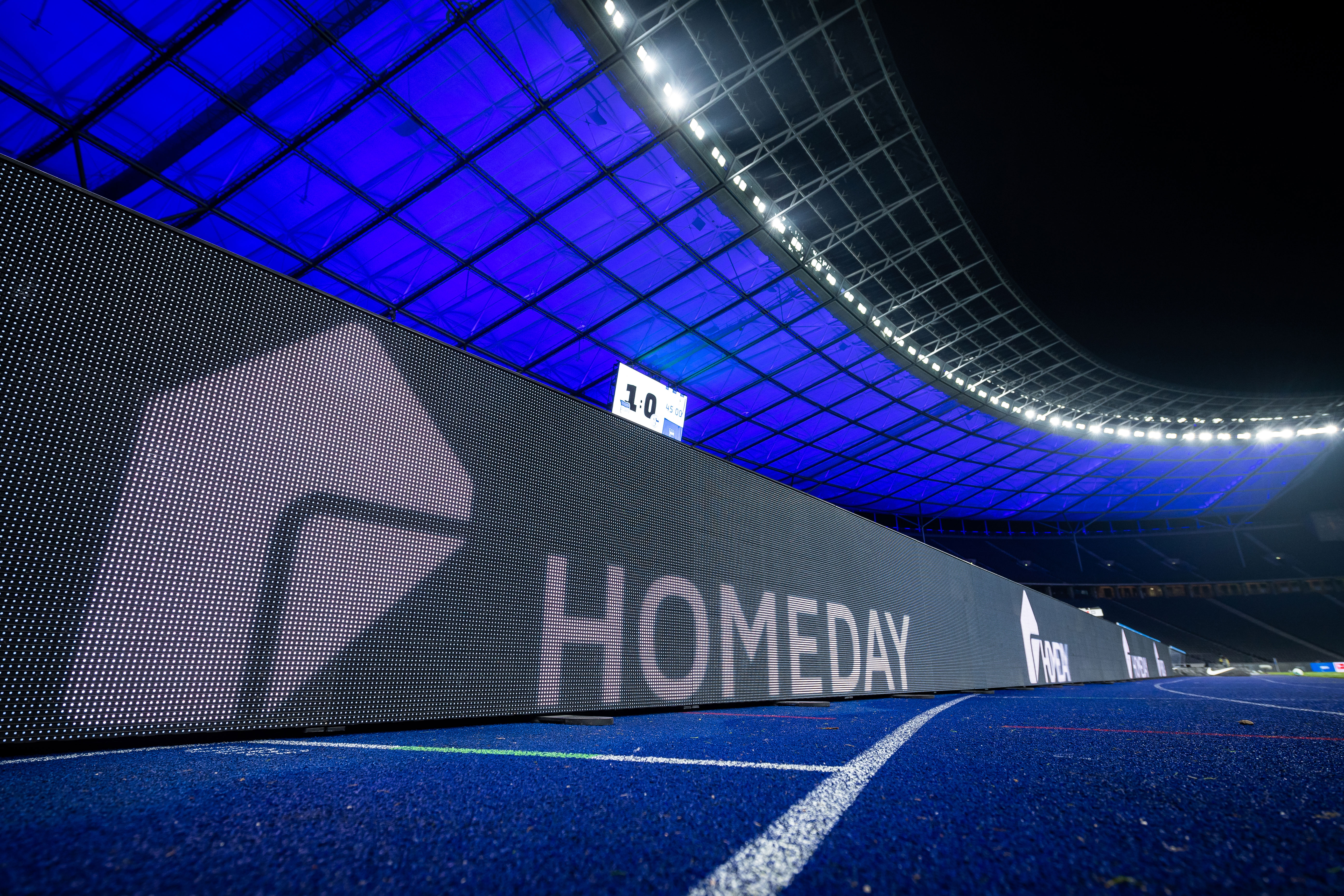 Publicidad de Homeday en nuestro estadio
