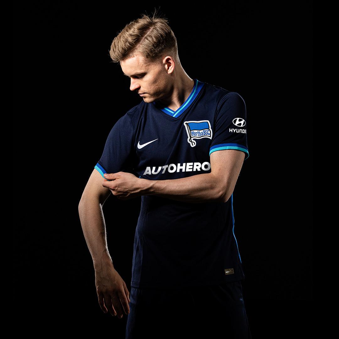 Maximilian Mittelstädt in our new, navy away shirt.
