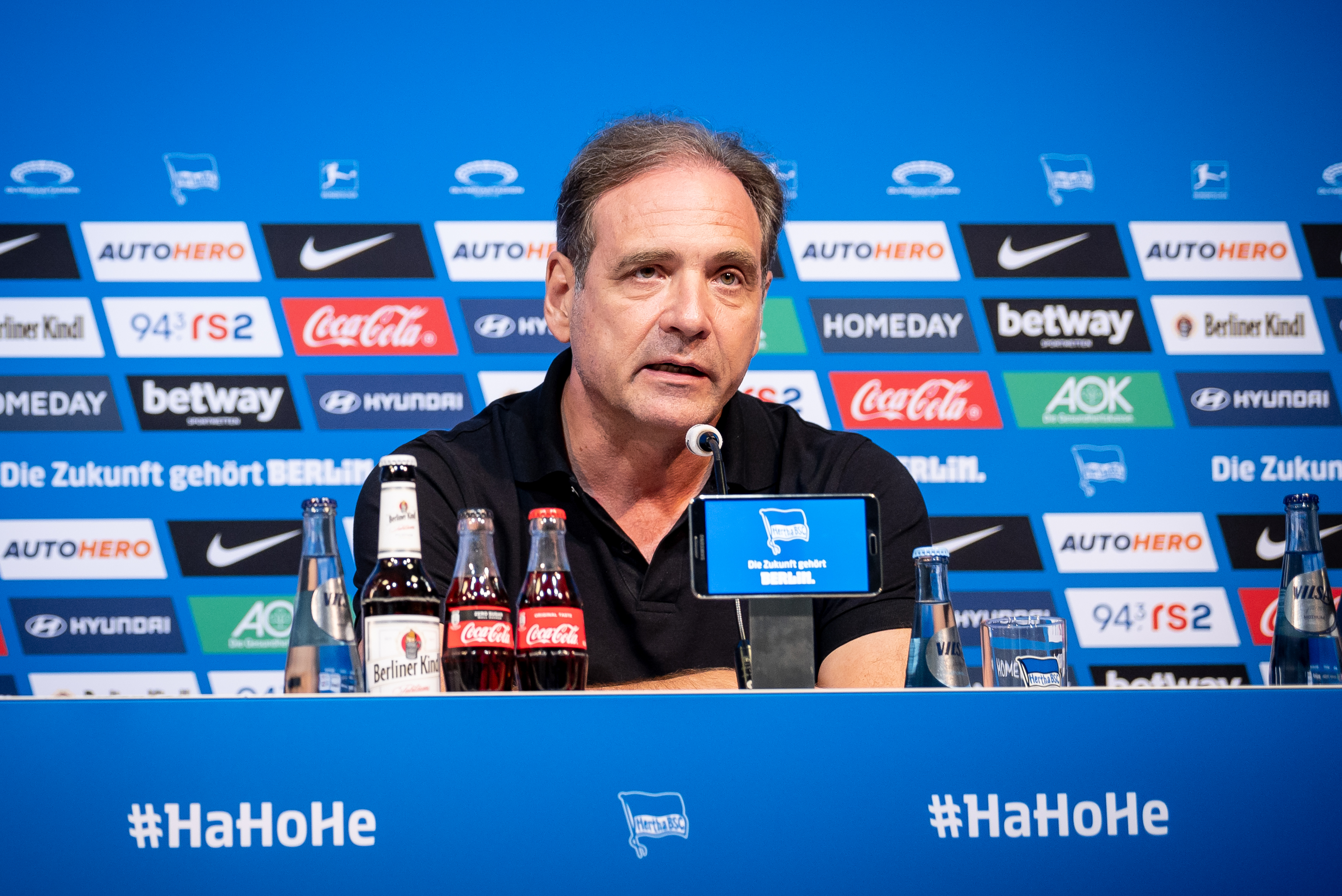 Carsten Schmidt at the press conference.