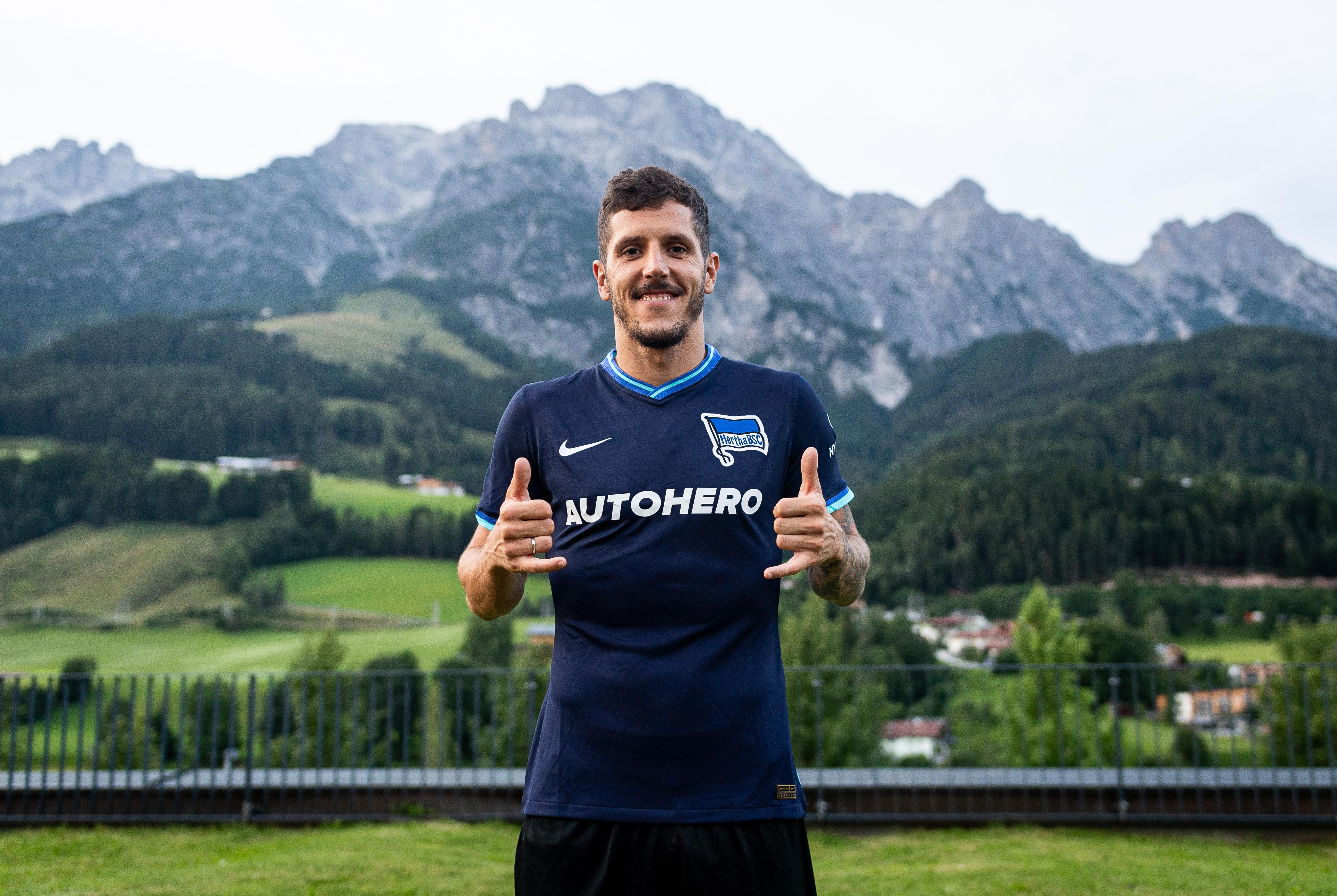 Stevan Jovetić in unserem neuen Auswärtstrikot.