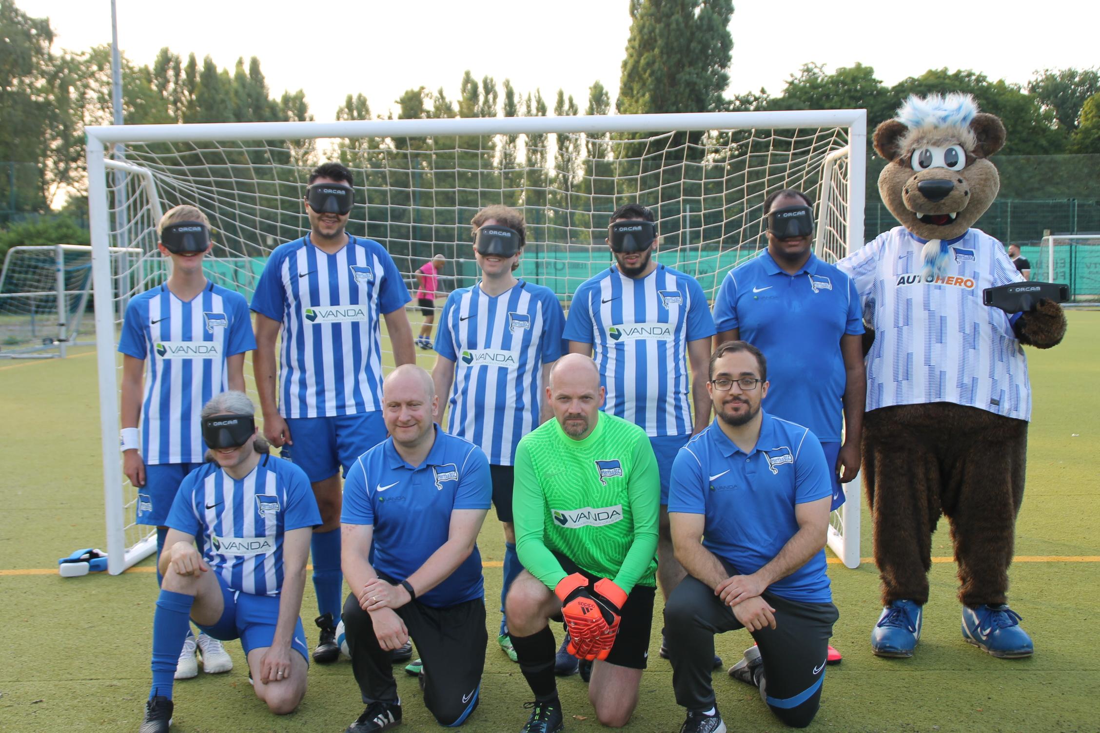 Das Mannschaftsfoto 2021/22 unserer Blindenfußball-Mannschaft.