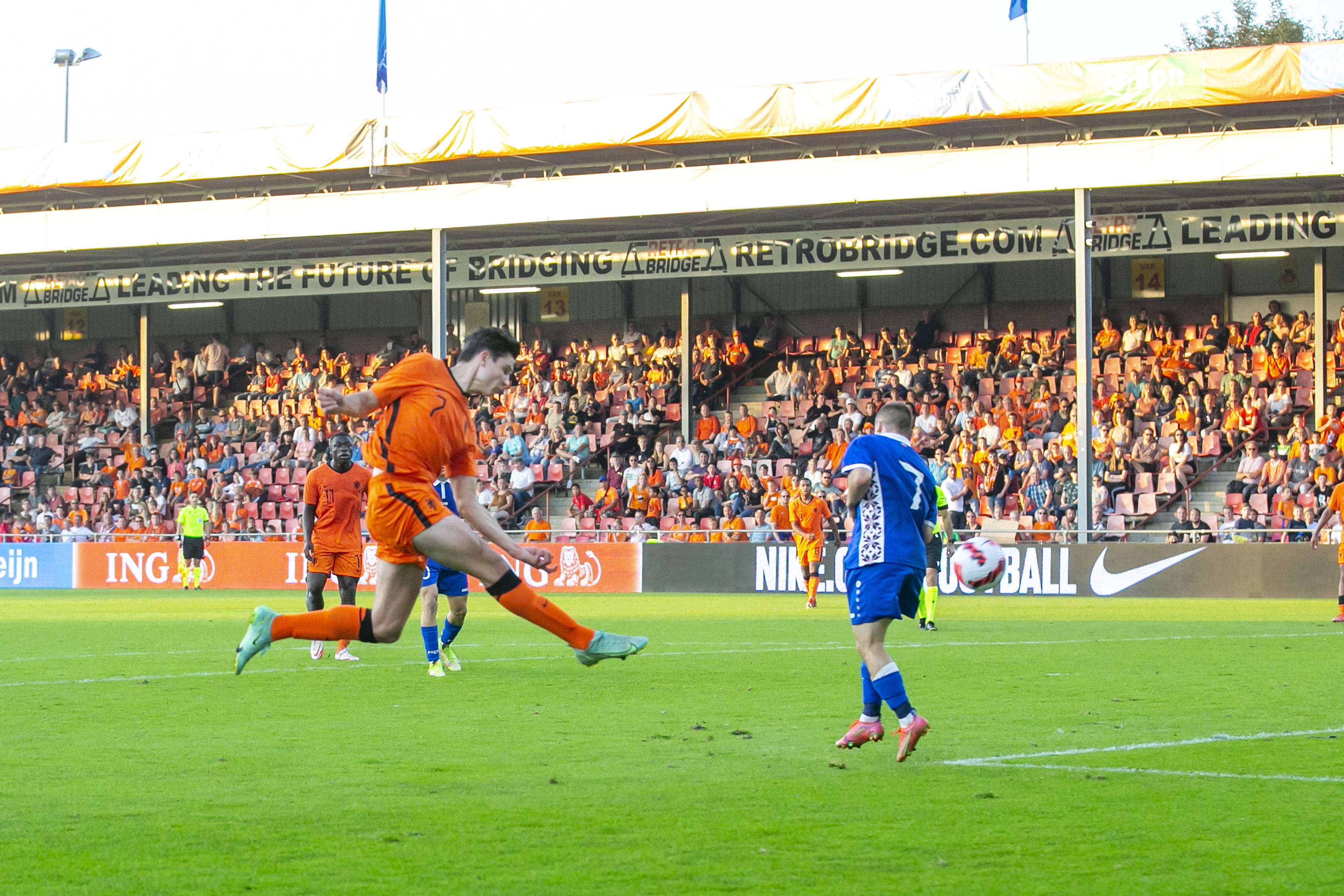 Jurgen Ekkelenkamp anotó para la selección sub-21 de Holanda.
