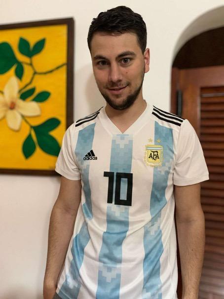 Christian Poletti con la camiseta albiceleste.