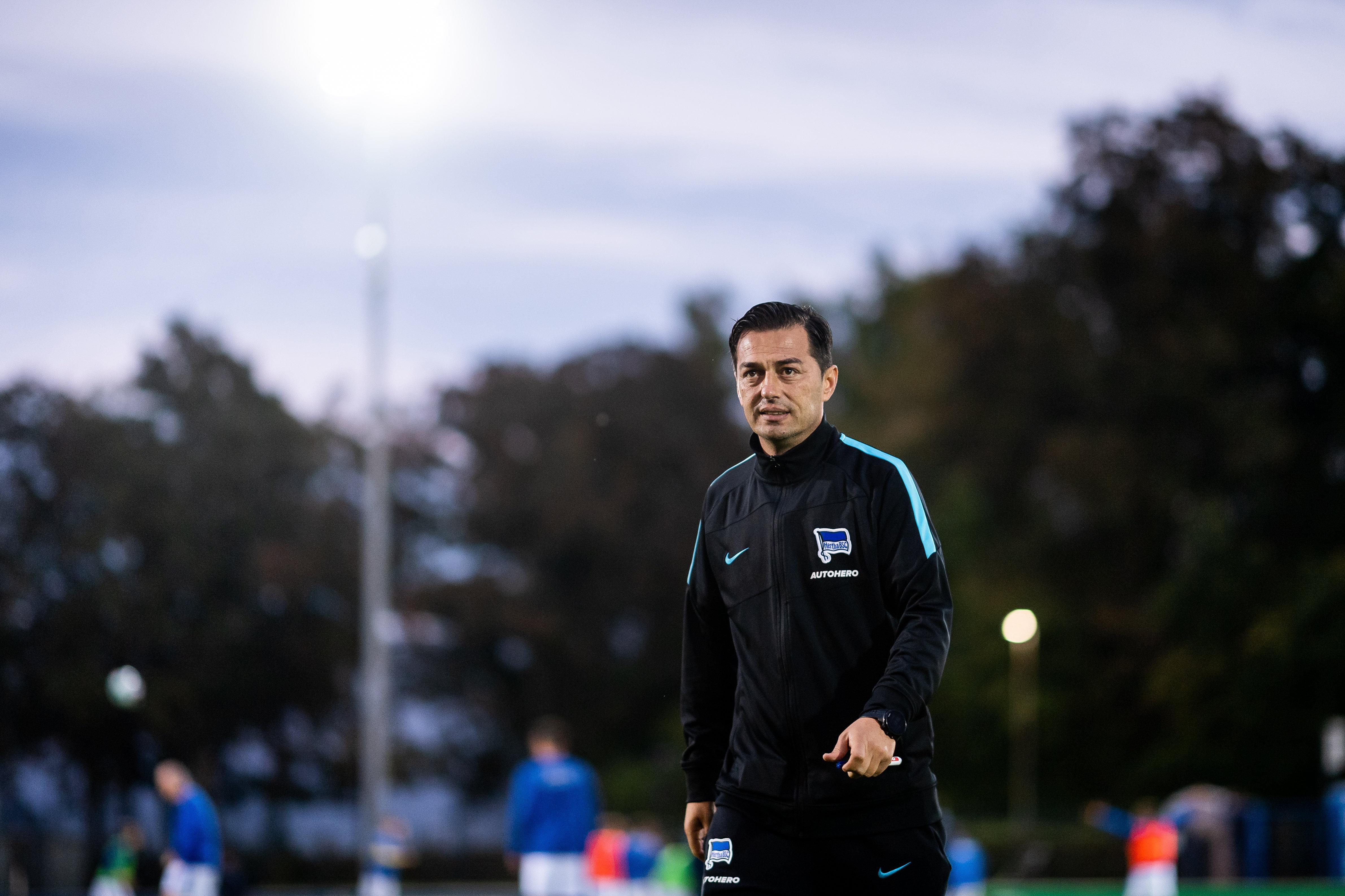 Ante Čović schaut unzufrieden.